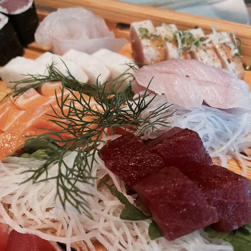 Takumi Sushi Ramen & Lounge