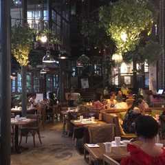 Hutaoli Music Restaurant & Bar 胡桃里