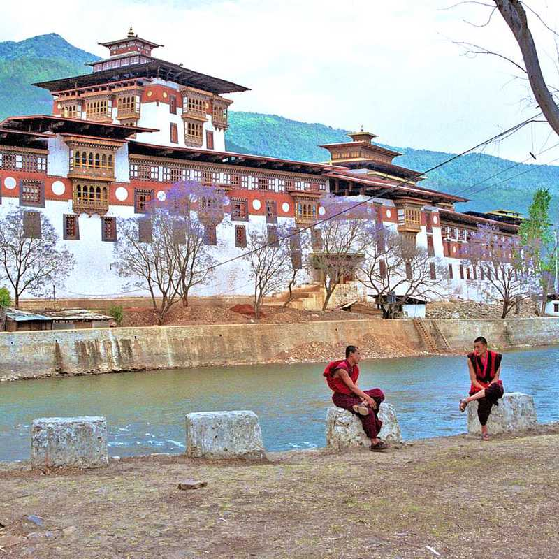 Trip Blog Post by @ASHIYK: BHUTAN 2019❤️❤️❤️ | 16 days in Mar/Apr (itinerary, map & gallery)