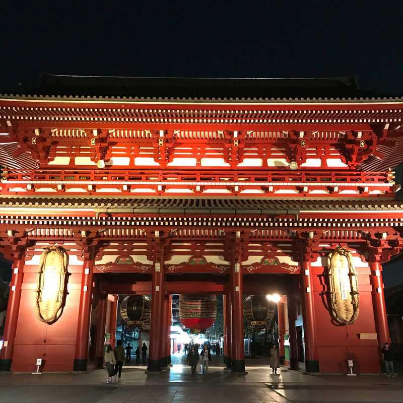 Visiting the Sensō-ji Temple Illumination
