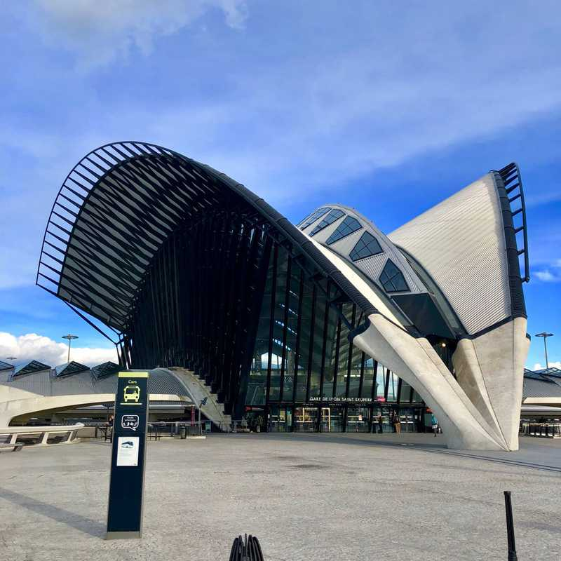 Trip Blog Post by @Charleseric: Estación de tren  Lyon Saint-Exupéry TGV -2019 | 1 day in Mar (itinerary, map & gallery)