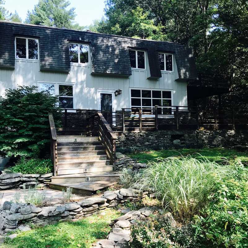 Airbnb Bearsville House