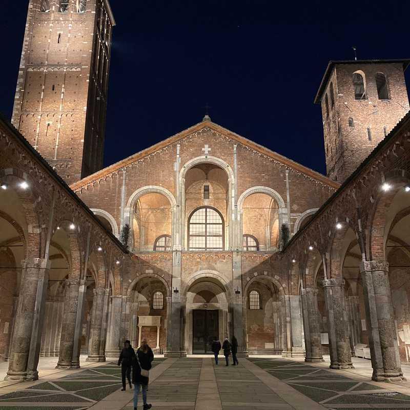 Place / Tourist Attraction: Basilica di Sant'Ambrogio (Milan, Italy)