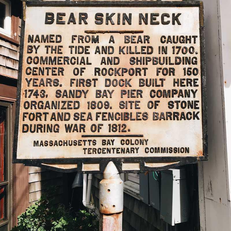 Bearskin Neck