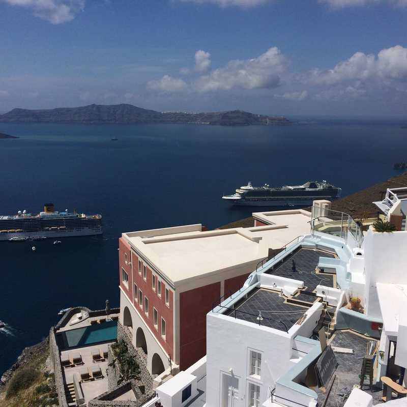 Trip Blog Post by @marylunasame24: Thira 2017 | 1 day in Apr (itinerary, map & gallery)