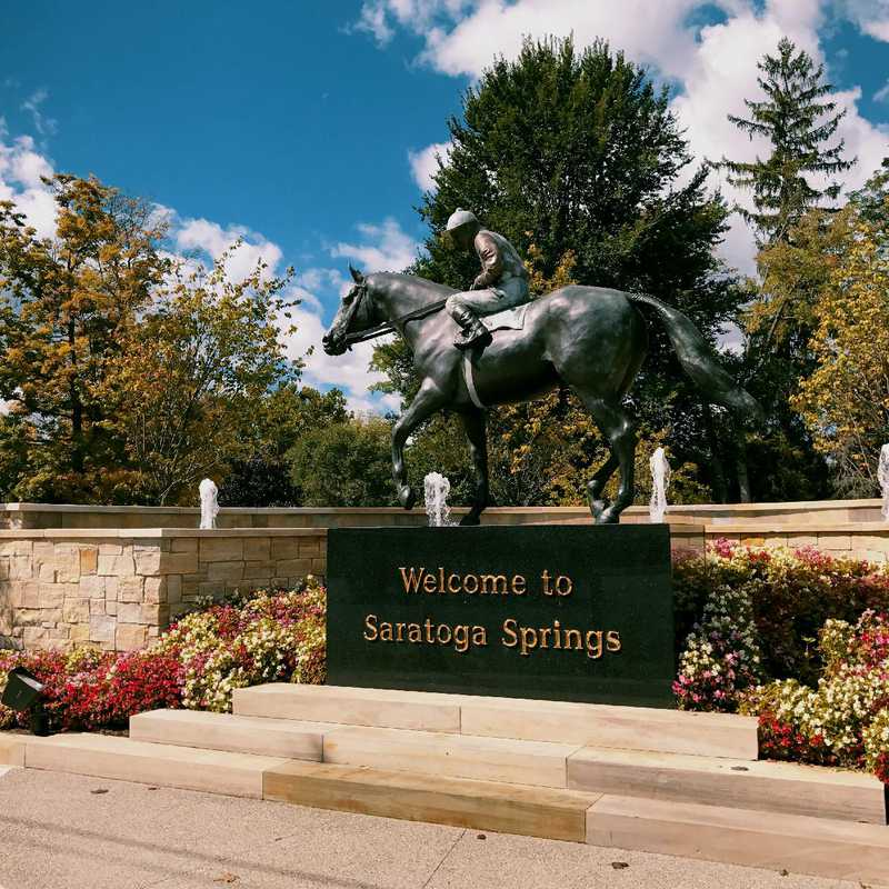 Walk around Saratoga Springs