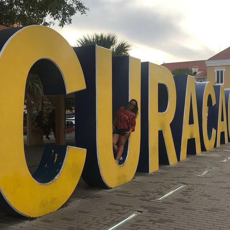 Curaçao Statue