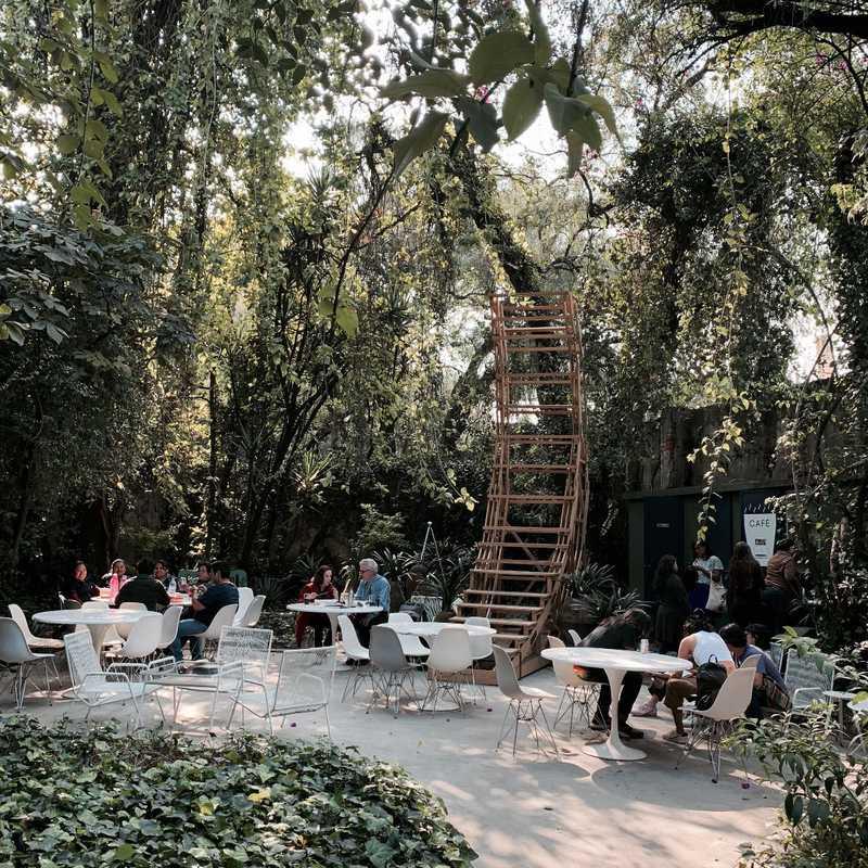 FR-EE Garden Cafe