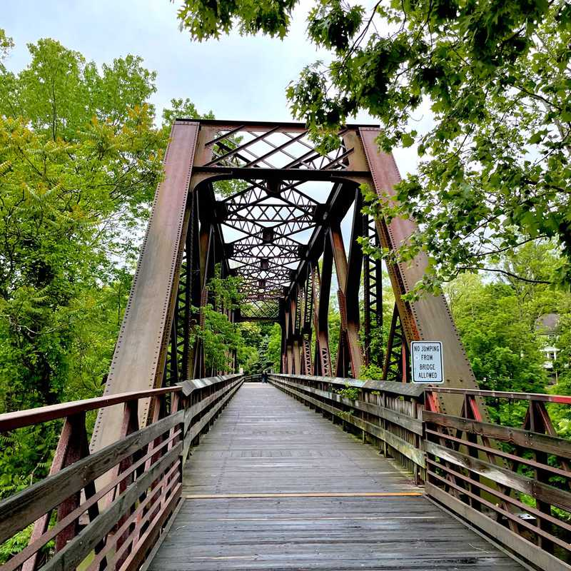 Trip Blog Post by @veraluna: Collinsville & Hartford, CT | 3 days in May (itinerary, map & gallery)
