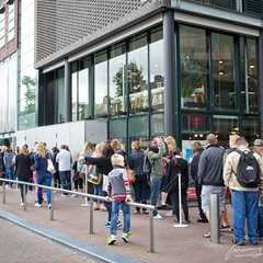 The queue outside Anne Frank's House... that extended all the way around the block