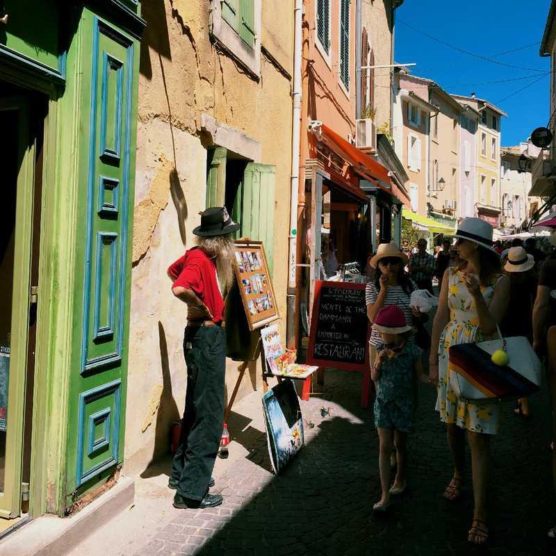 Walk around L'Isle-sur-la-Sorgue