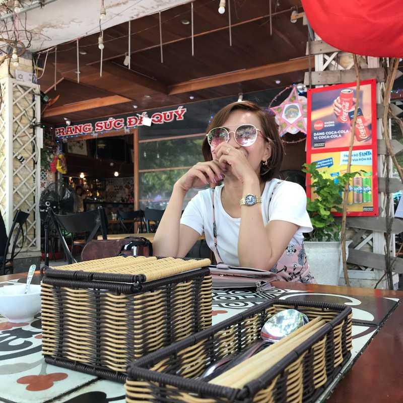 Laluna Bar & Restaurant