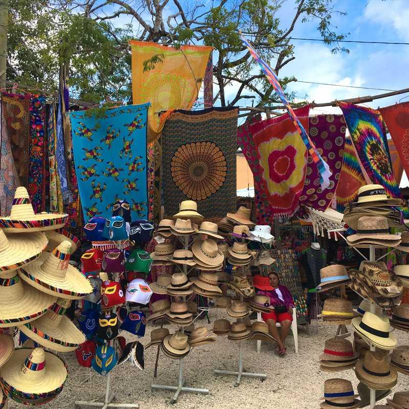 Shopping at Viva Mexico Ruinas