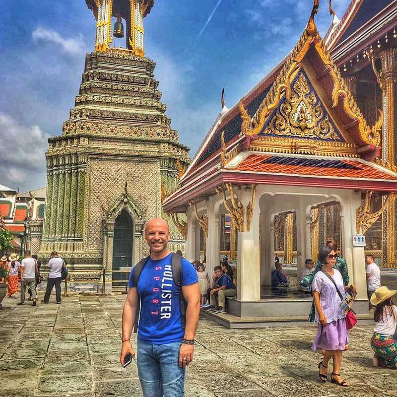 Reclining Buddha (พระพุทธไสยาสน์)