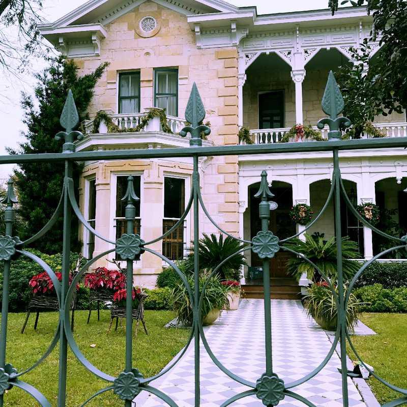 Visit King William Street