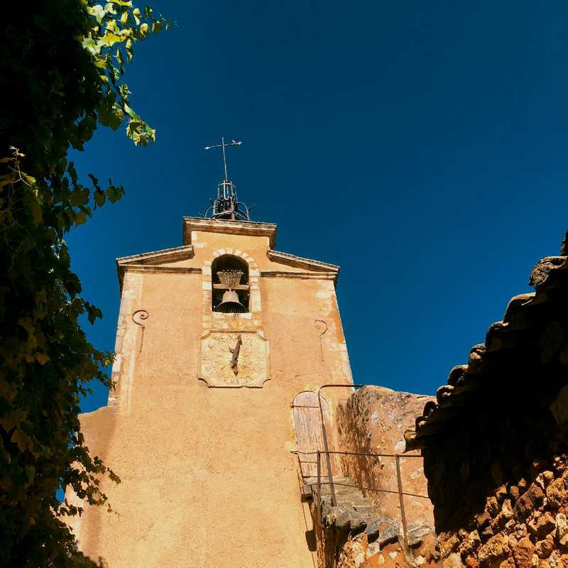 Walk around Roussillon