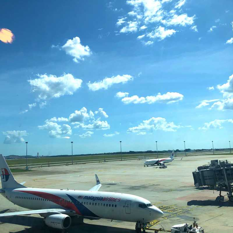 Lapangan Terbang Kuala Lumpur (KUL)