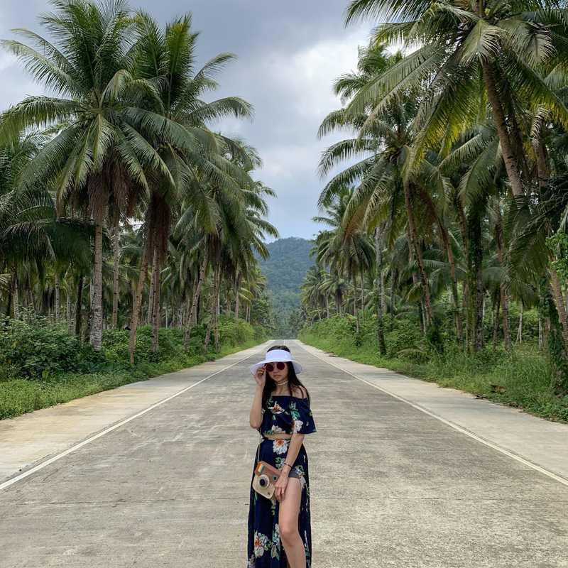 Coconut selfie v1