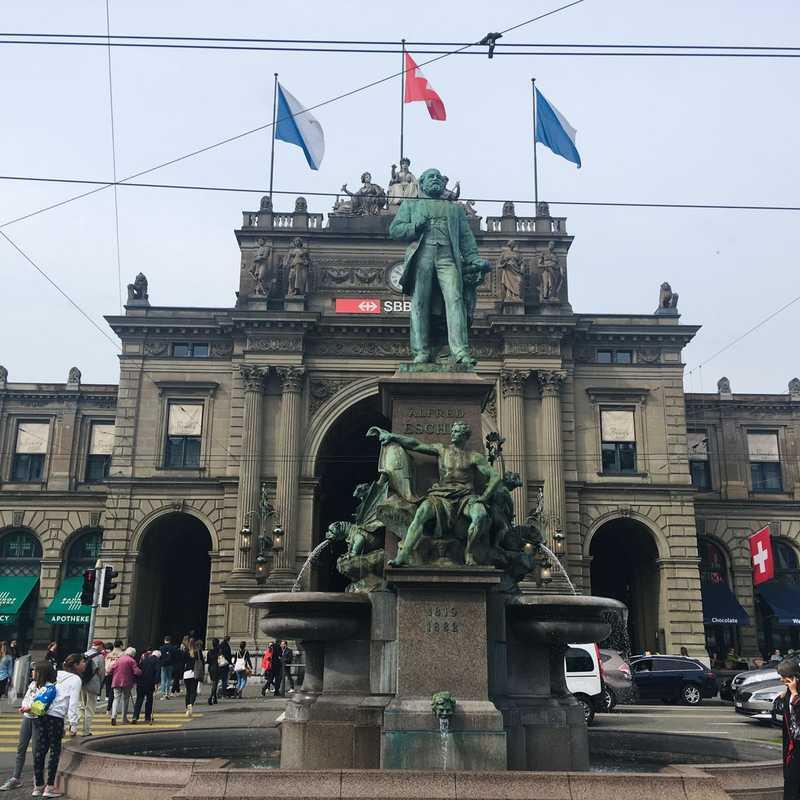 Zürich, Bahnhofplatz/HB