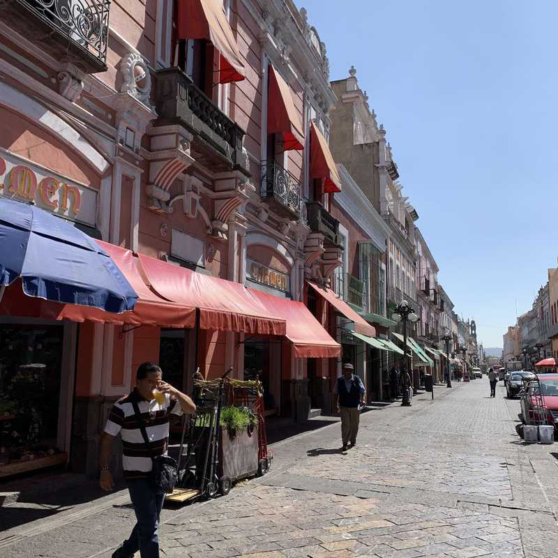 Calle Cinco de Mayo