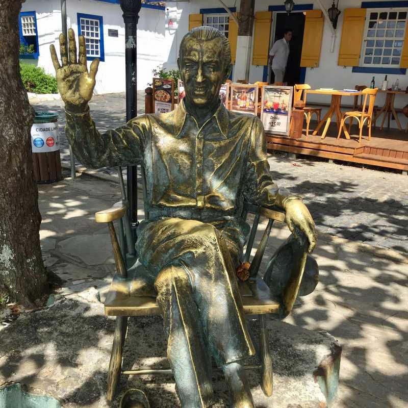 Juscelino Kubitschek statue