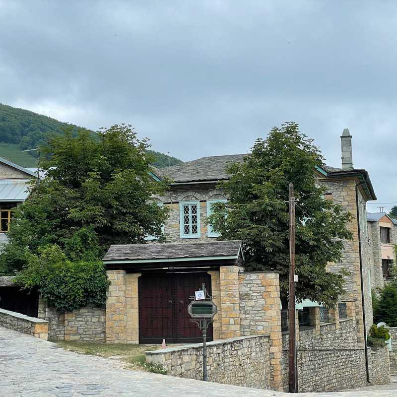 Πετρόχτιστη παραδοσιακή κατοικία ΧΙΟΝΑΤΗ