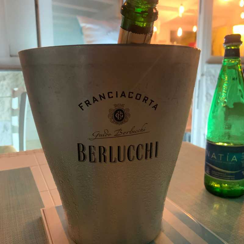 Pazziella Beach Bar & Restaurant
