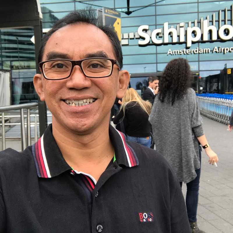 Schiphol Amsterdam Airport (AMS)