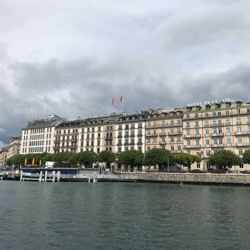 """Lake Geneva Cruise """"Evasion"""""""