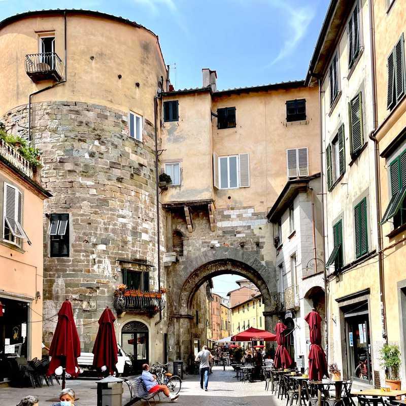 Borgo Gate
