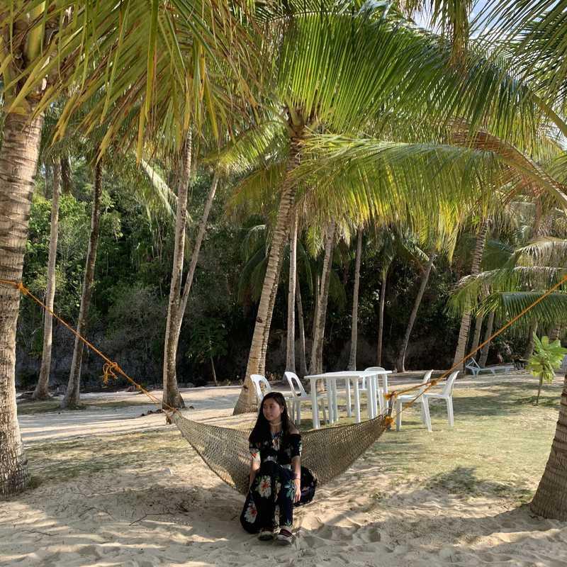 Pamomoan Beach