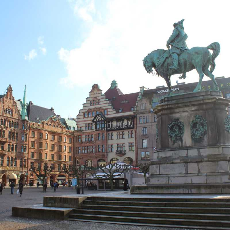 Malmö | 1 day trip itinerary, map & gallery