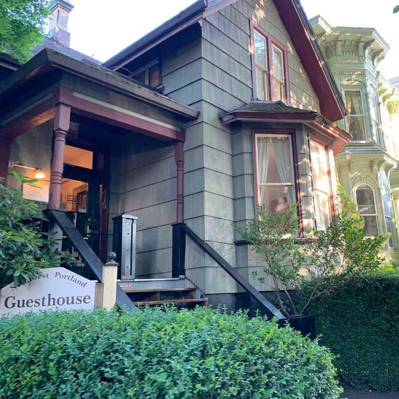 Northwest Portland Guesthouse