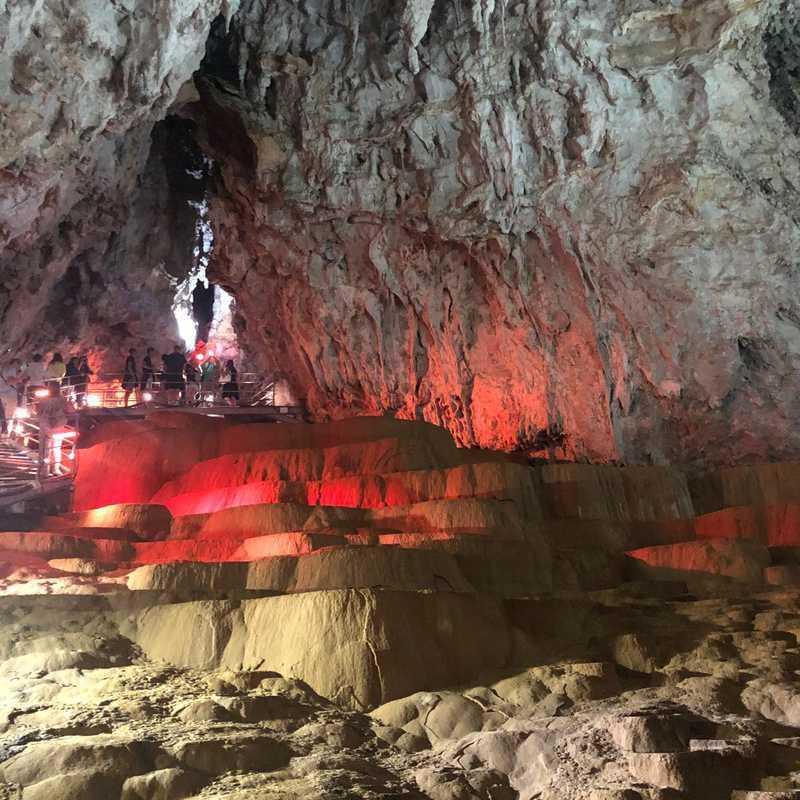Potpećka pećina
