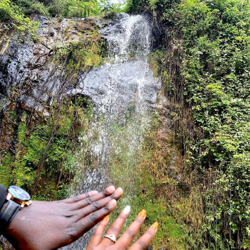 Waterfalls Inn Tigoni