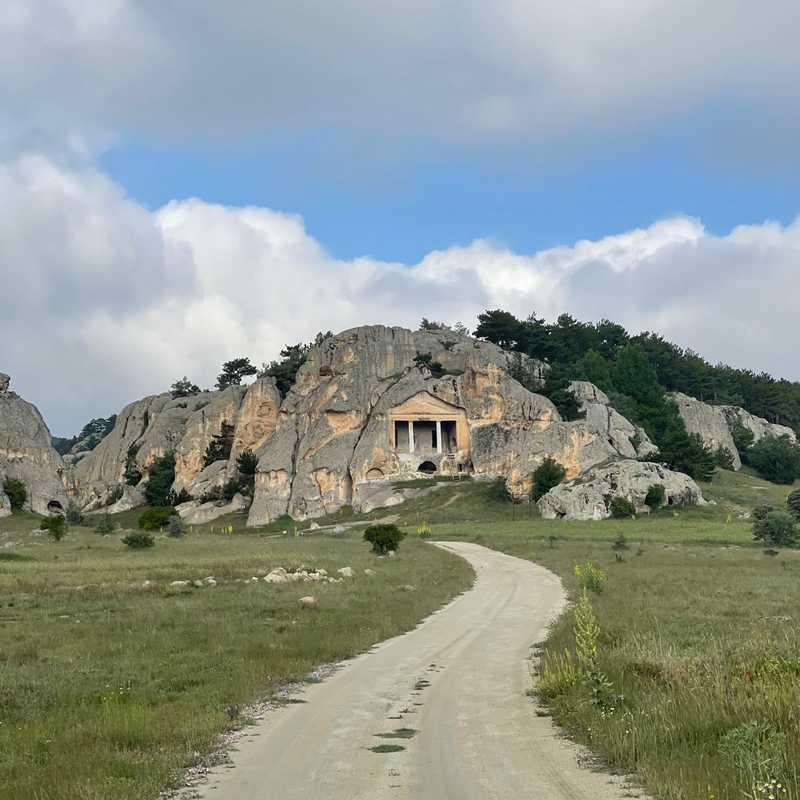 Gerdekkaya Anıtı