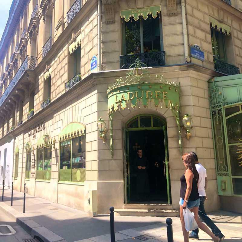 Ladurée Paris Champs Elysées