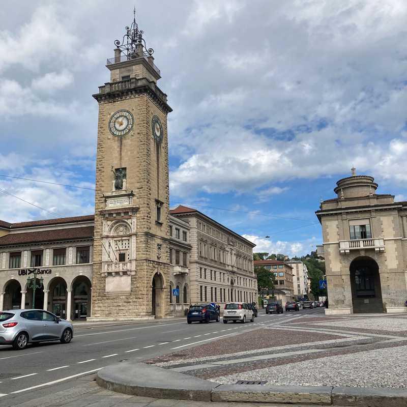 Monumento a Francesco Nullo