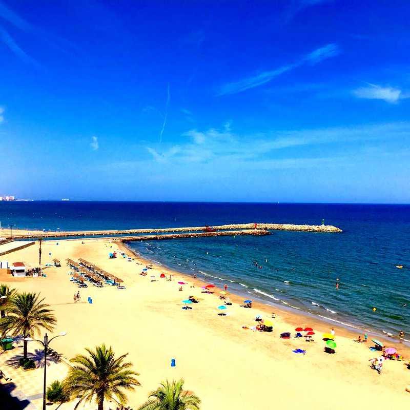 Playa Port Saplaya