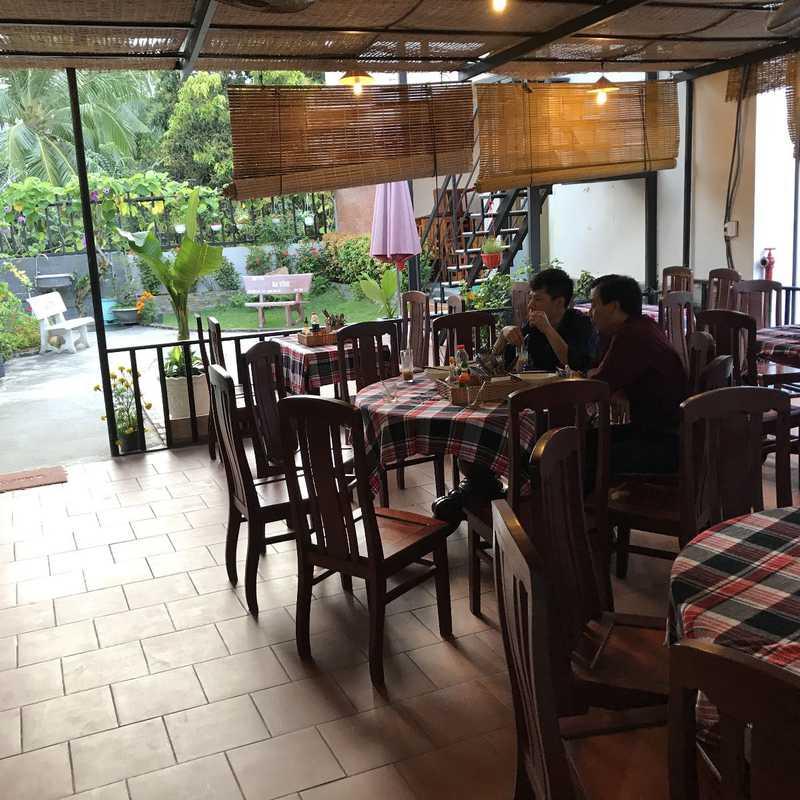 Song Hong Cafe