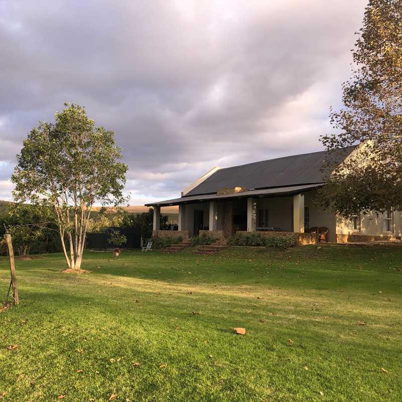 Oewerzicht Farm Cottages & Campsite