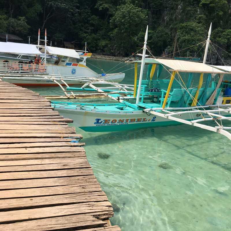 Kayangan Lake View Deck