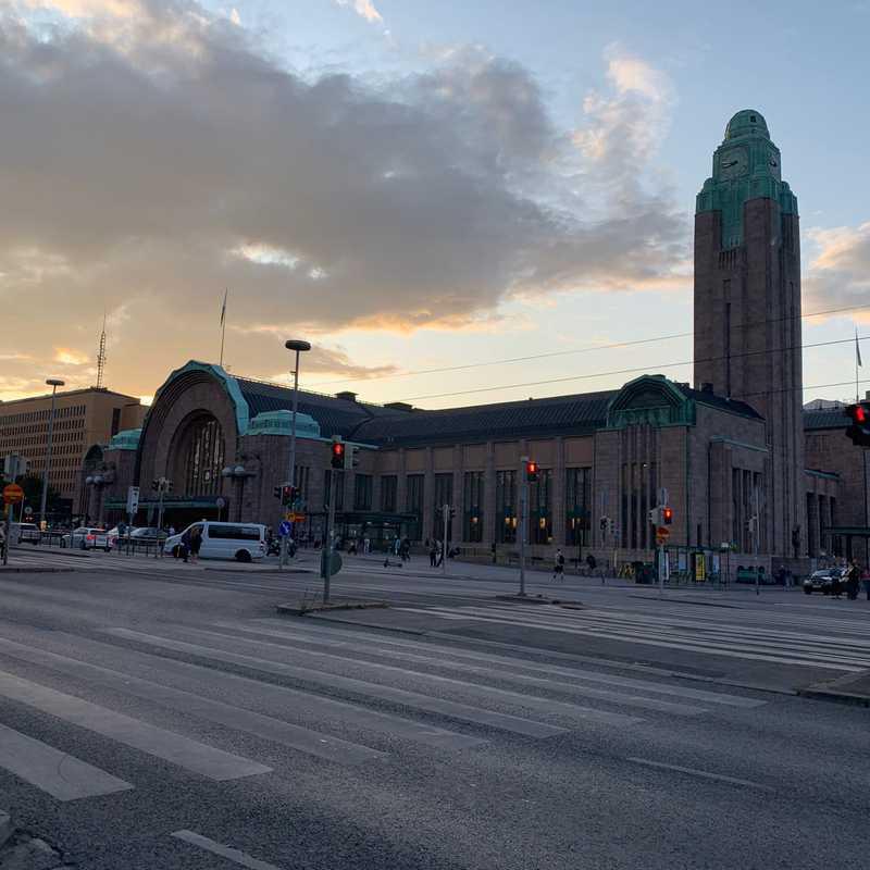 Rautatieasema Järnvägs Station