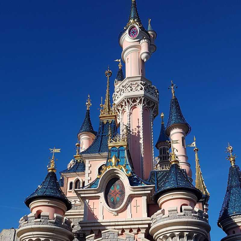 Trip Blog Post by @marufasman: Disneyland paris | 2 days in Jan (itinerary, map & gallery)