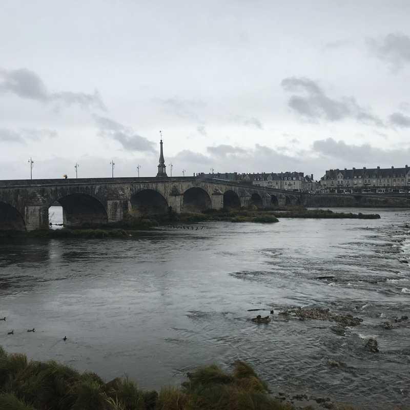 Le pont Jacques-Gabriel Blois