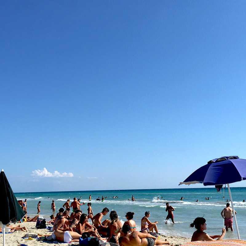 Lido malibu beach