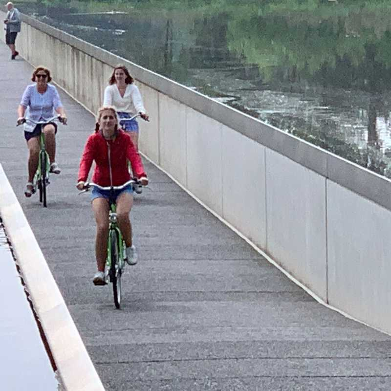 Cycling through water - Bokrijk