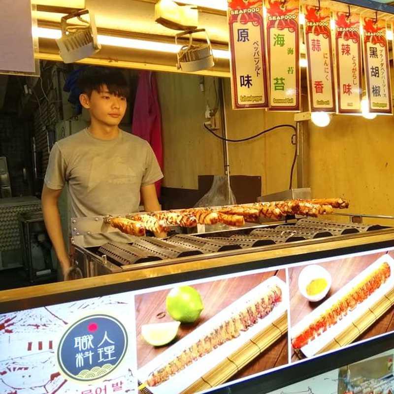 Shilin Market (Ming Chuan Hostel)