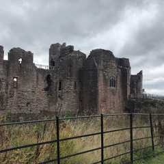 Goodrich Castle - Real Photos by Real Travelers