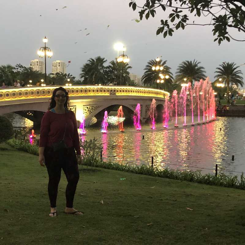 Fountains in VH Central Park / Landmark 81 night view ! | 1 day trip itinerary, map & gallery